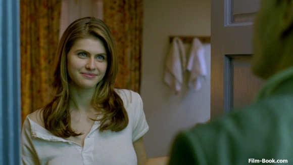alexandra-daddario-smiling-true-detective-seeing-things-01-1280x720